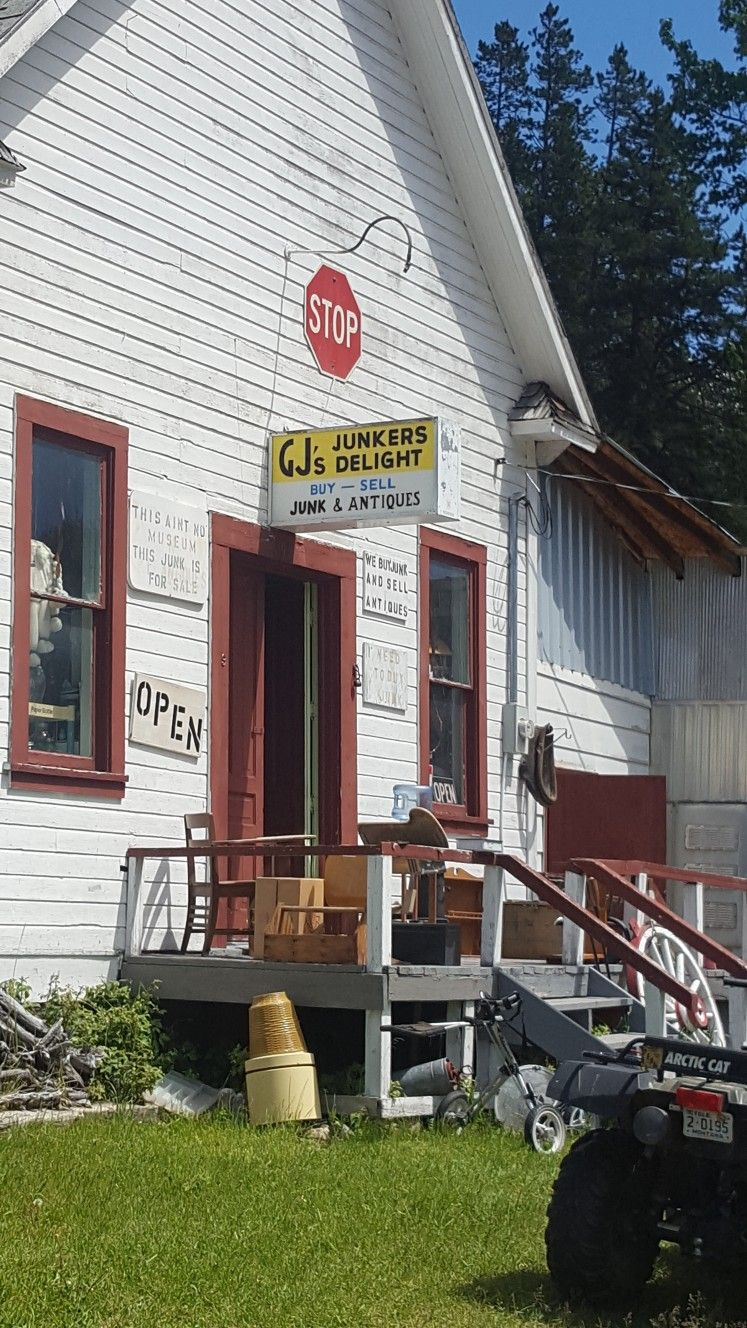 Junkers Delight Antique Store In Neihart Montana Montana Homes