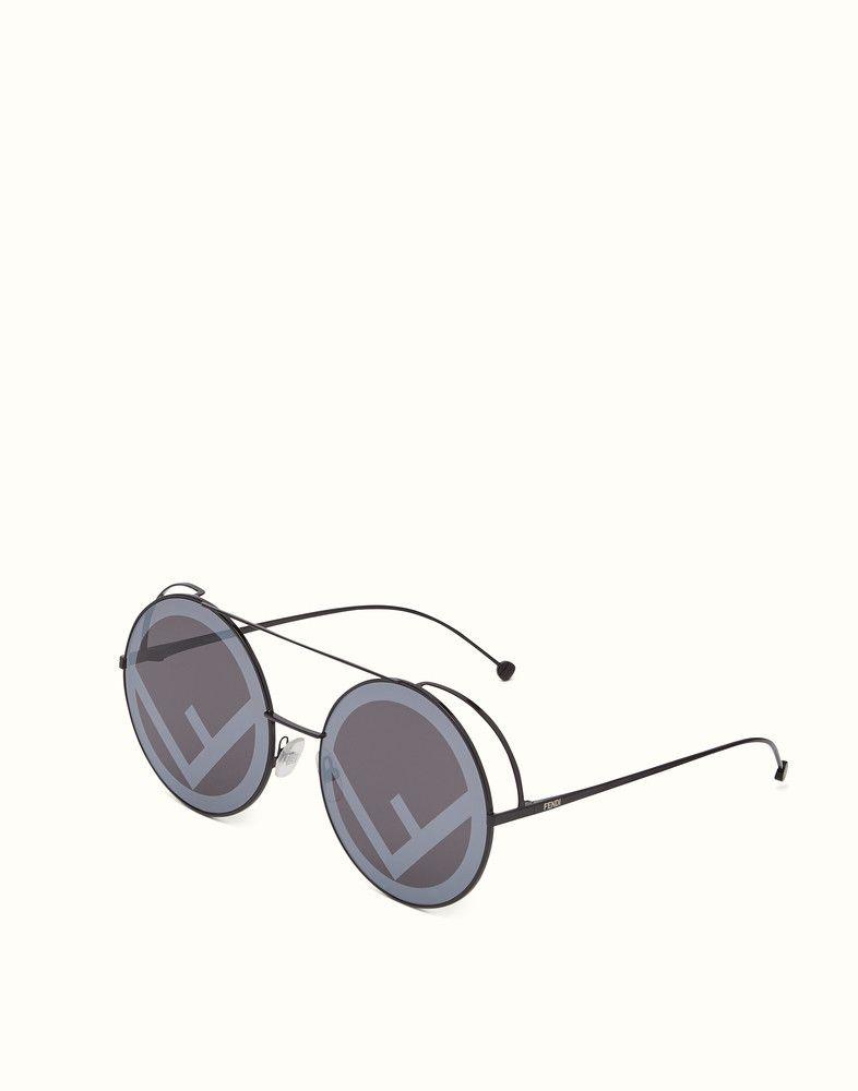 8917c4085f6a FENDI RUN AWAY - Black AW17 Runway sunglasses. - view 2 detail