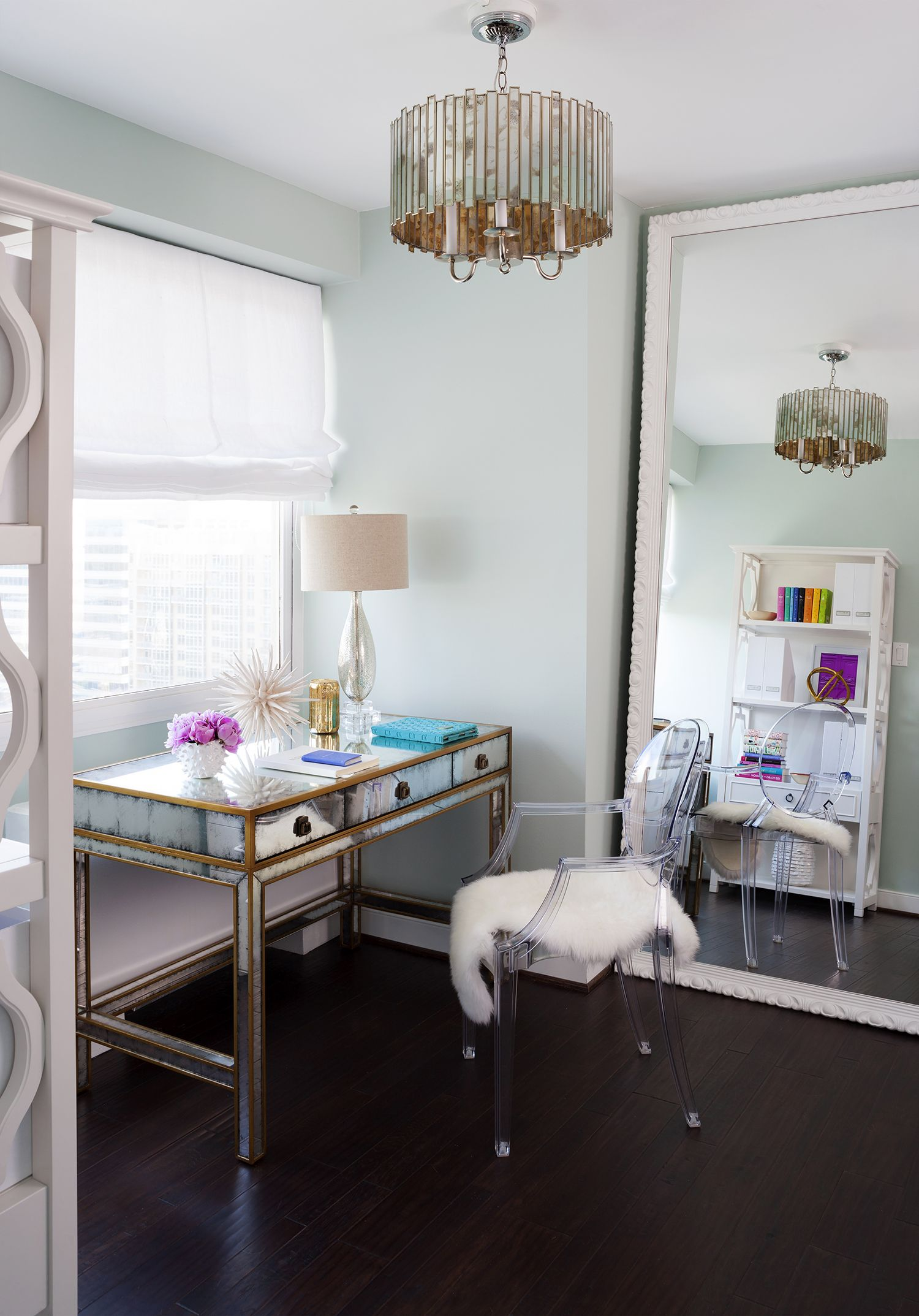 Tour This Amazing Fashion Blogger S Transitional Home Office: A 30 Year Old Condo Gets A Fashion-Forward Makeover