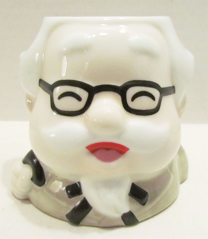 COL. SANDERS FIGURAL CERAMIC MUG :: JAPAN :: KENTUCKY FRIED CHICKEN KFC