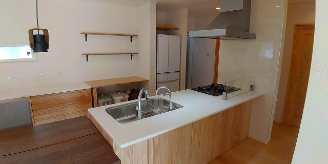 Web内覧会 ウッドワンp型キッチンsu Iji スイージー を大解剖 収納たっぷり大容量 いい家かげん ウッドワン シンク収納 スイージー