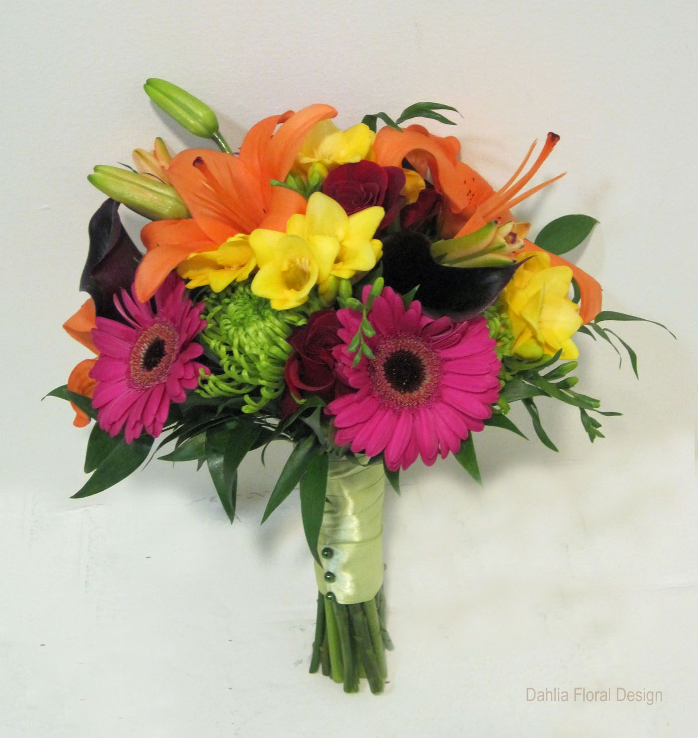 Fusion Mixed Colored Bouquets (With images) Wedding