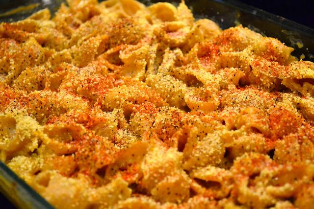 Creamy Vegan Mac 'N Cheese - healthy and delicious!  This blog has tons of awesome healthy recipes.