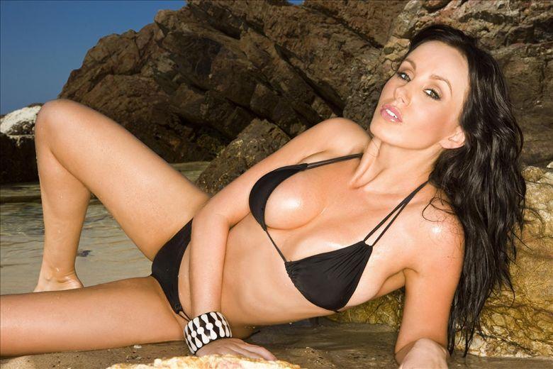 from Lennox amanda atkins model nude