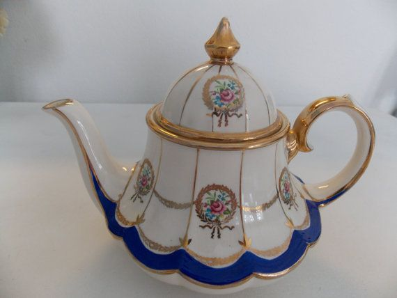 Carousel Teapot Vintage 1950's Blue and Cream with Gold Wreaths, Gilt Trim