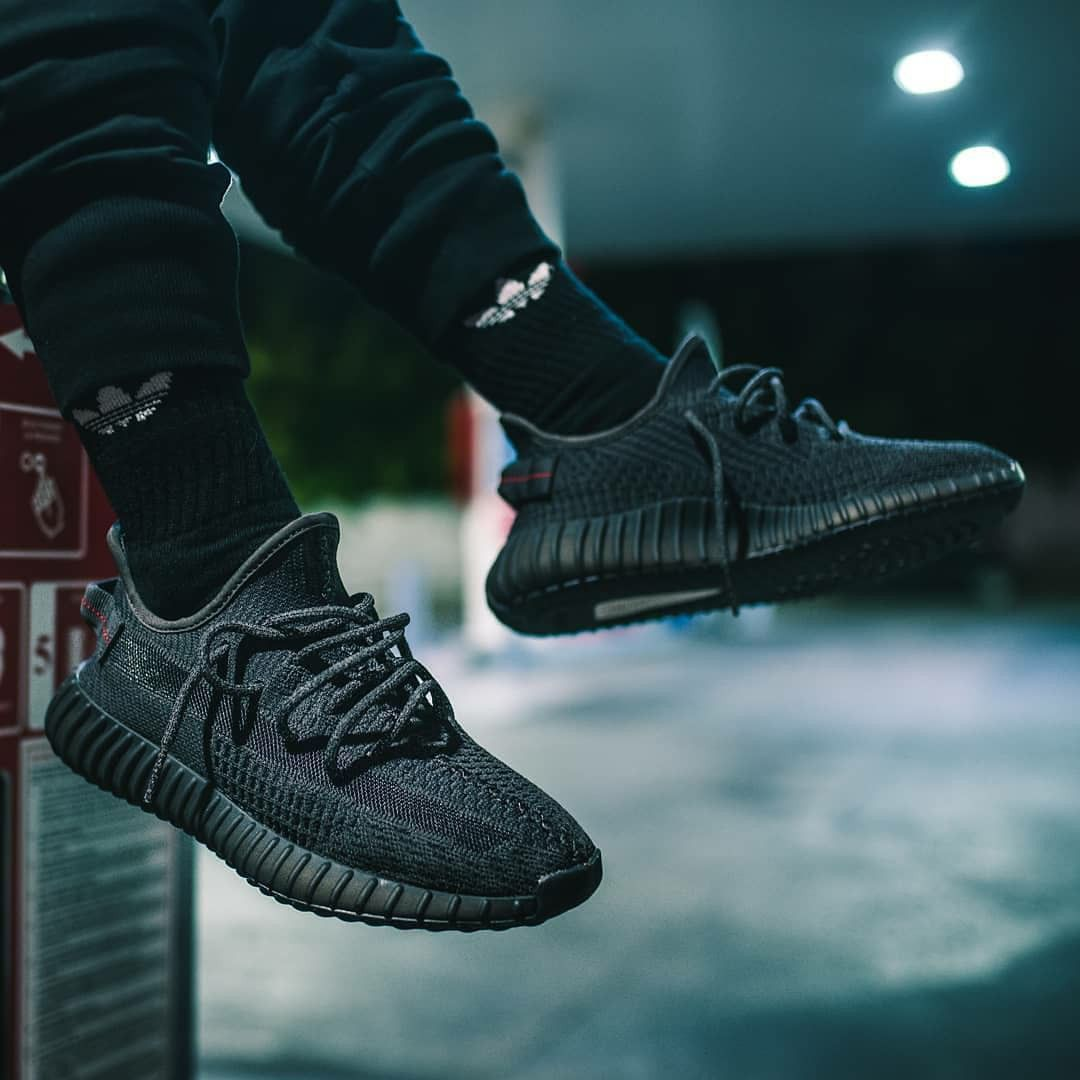 Adidas Yeezy Boost 350 V2 Black Adidas Shoes Yeezy Yeezy Outfit Adidas Fashion Shoes