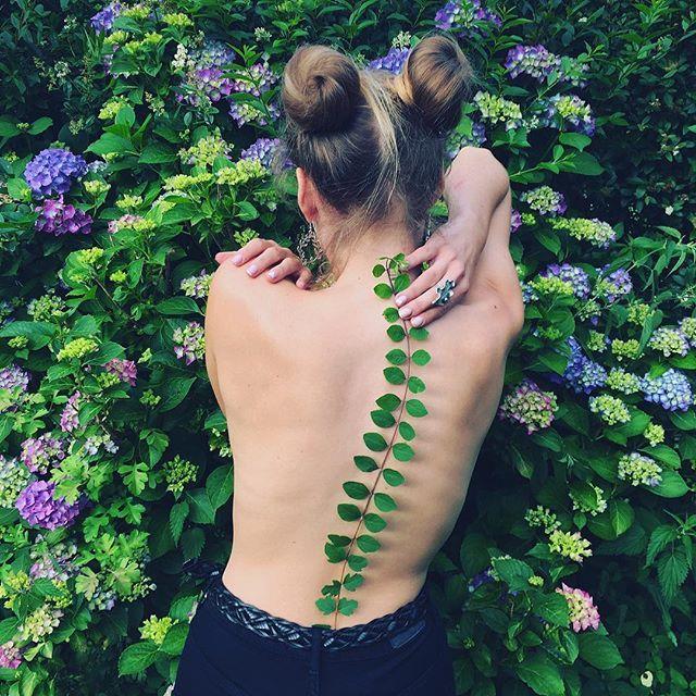 02Pis Saro, the Botanical Tattoo Artist