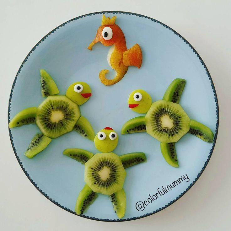 "Ebru, foodart & children on Instagram: ""Kaplumbağalar kral denizatindan akil almaya gelmişler... Turtles came to ask advices from King seahorse.... ... Kivi, armut, yeşil elma,…"" #childrenpartyfoods"