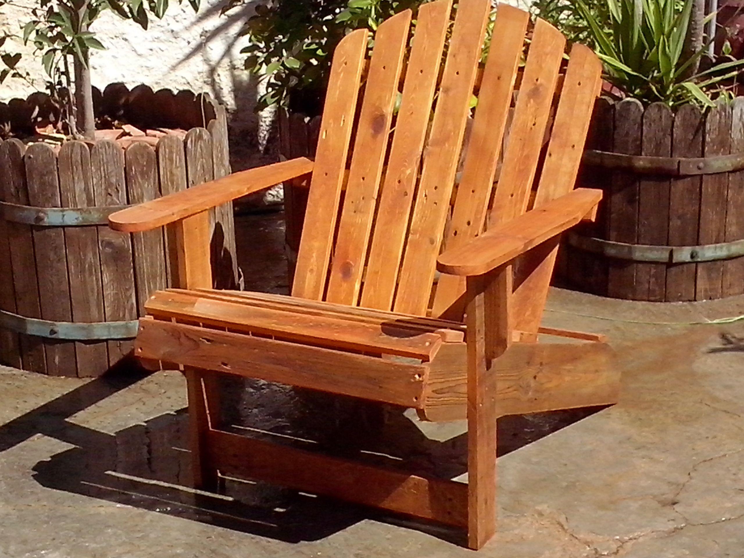 sillon americano muy odo especial para ambientes exterior y interior realizado con maderas