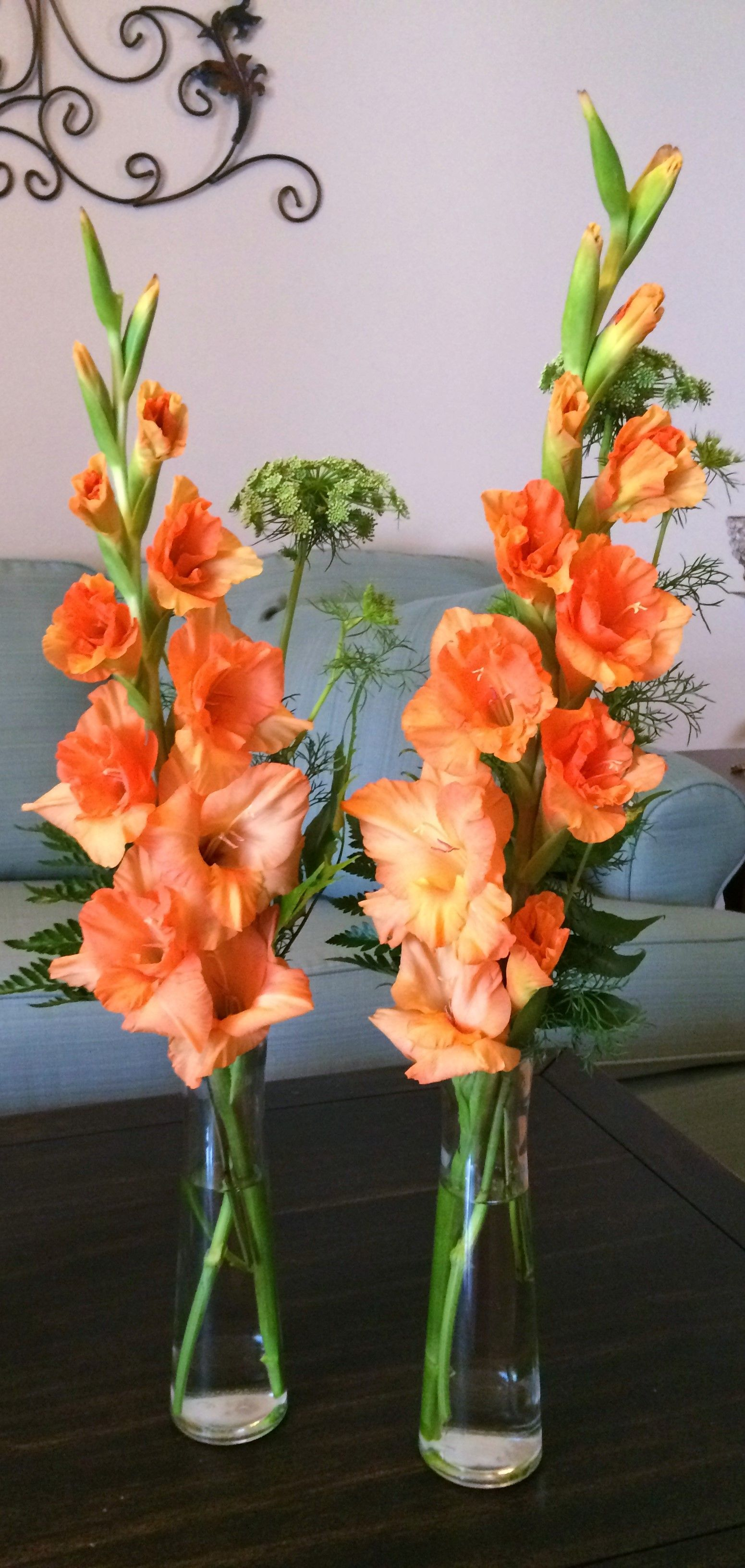 Love These Orange Gladiolus With Queen S Anne Lace For Centerpieces Gladiolus Wedding Pastel Wedding Flowers Wedding Flowers