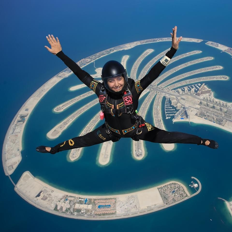 how much is it to skydive in dubai