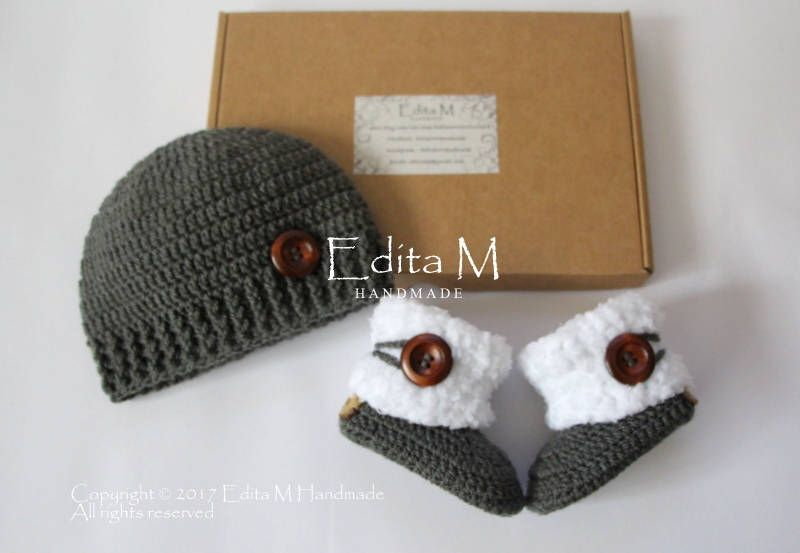 unisex crochet baby set baby booties baby shoes knitted boots baby beanie baby hat 0 3 3 6 months neutral baby shower christmas by editamhandmade