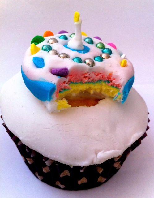 birthday cupcake fondant