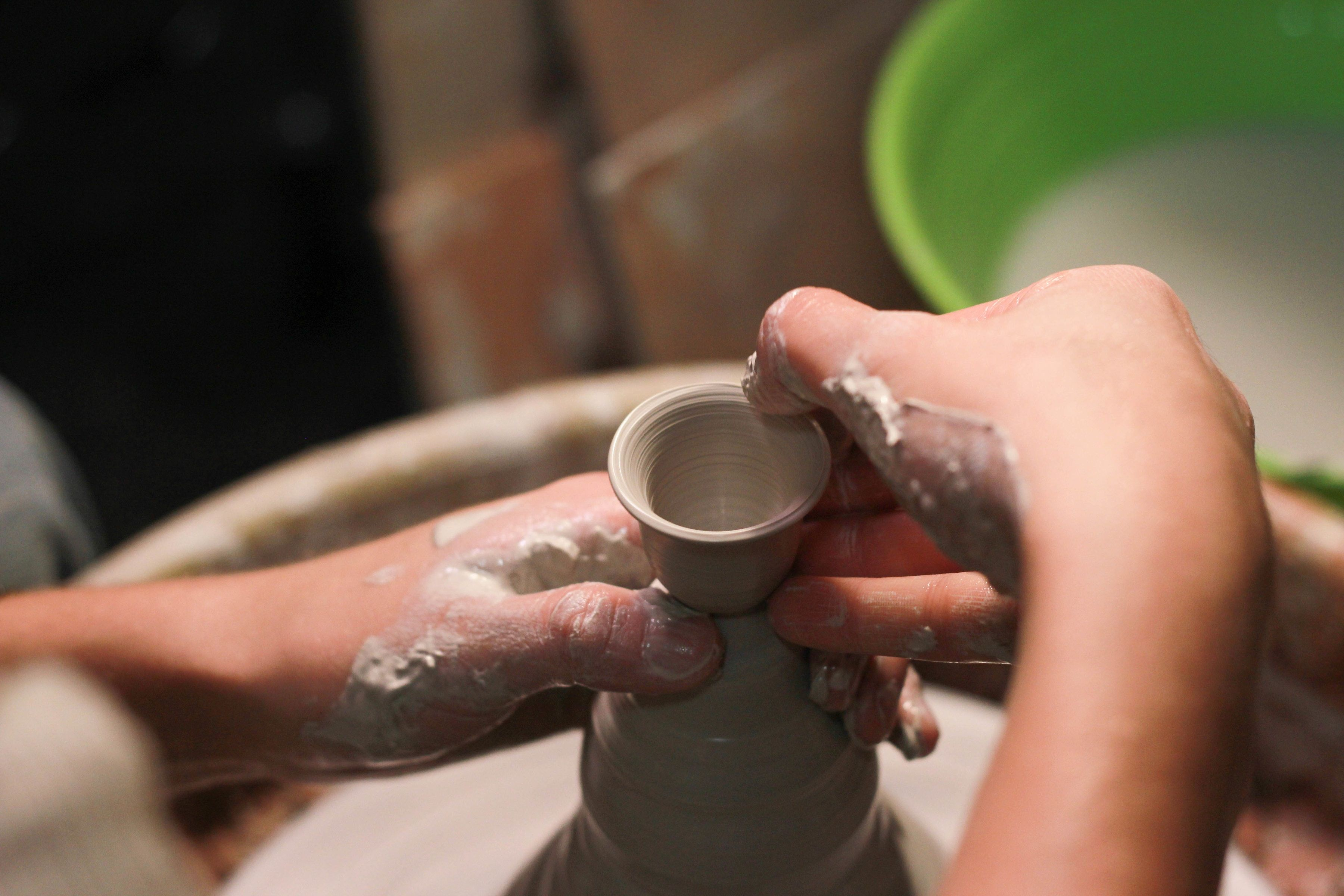 Create mugs, pots and figurines using clay. Use a potter's