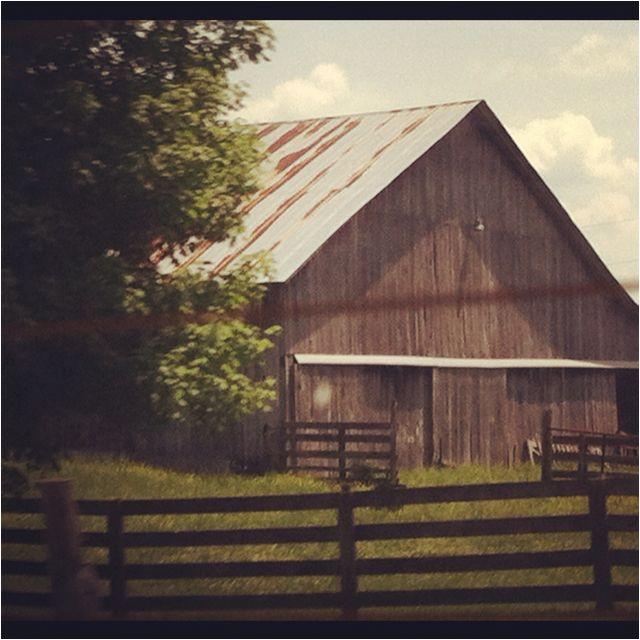Old Barn Near Bowling Green, Kentucky