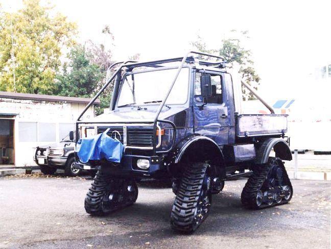 tracked vehicle mercedes unimog with rubber tracks unimog rh pinterest com