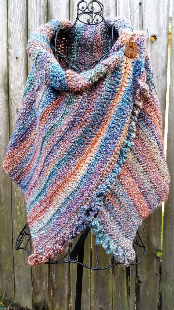 Crocheted, ruffled, buttoned wrap in sunset colors | Volantes ...