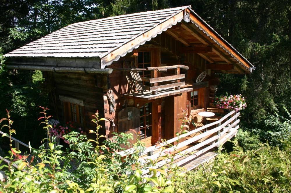 Location vacances chalet Megève: facade du mazot