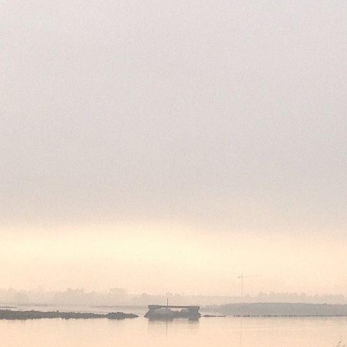 Acuarela solo con niebla. El #CarriBiciSuancesBarros al amanecer y al atardecer todo un espectáculo. Suances. Cantabria. Spain. © Laura Junquera