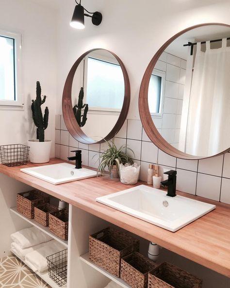 Salle de bain nature , doubles vasques et miroirs ronds Meubles