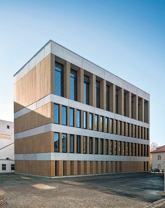 Hochschule muenchen architektur aufsatz deutsch englisch
