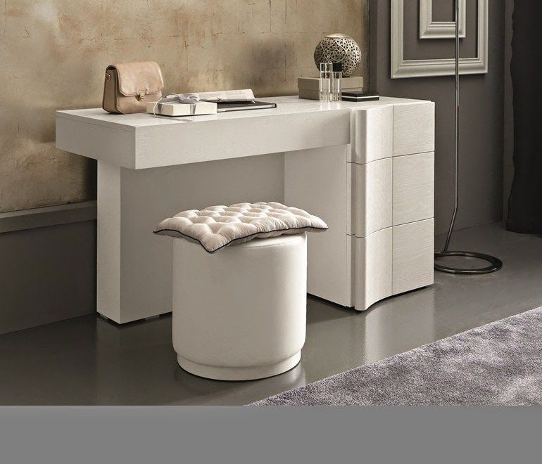 White Dressing Table Design For Small Bedroom With Folding Mirror Jpg 770 660
