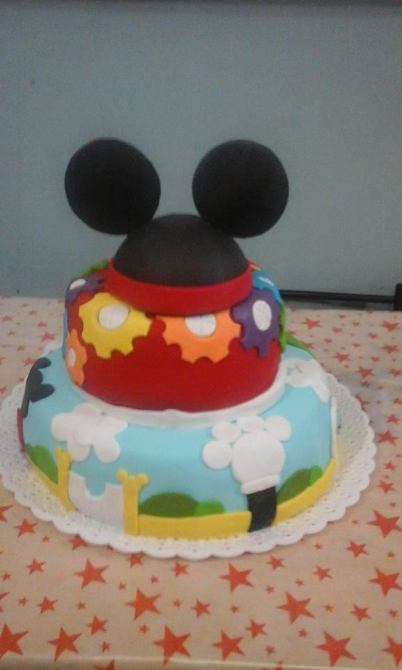 lupe 3 añitos -  la casa de mickey mouse