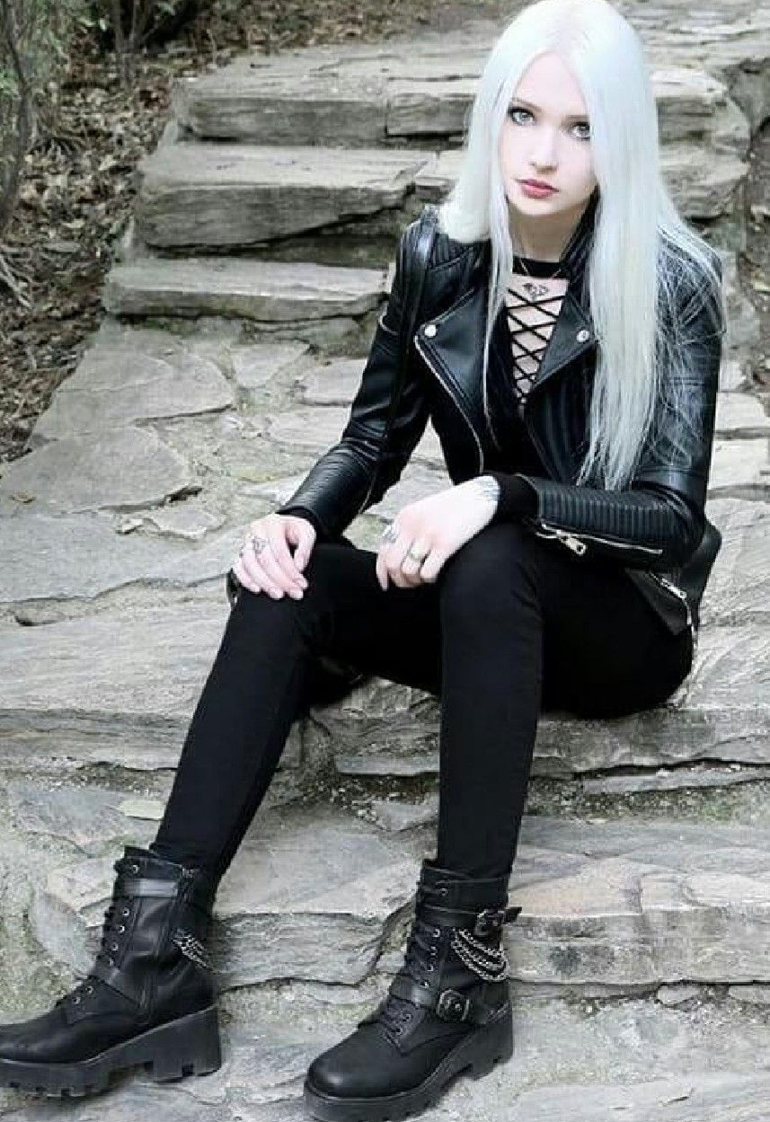 Gothic single frauen