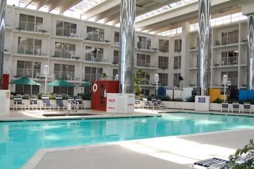 Hotel Deal Checker Princess Royale Oceanfront Hotel Ocean City Ocean City Md Hotels Maryland Hotels Ocean City