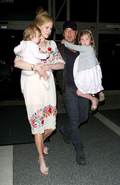 Keith Urban Photos Photos - Nicole Kidman and Kieth Urban depart from Los Angeles International Airport (LAX) with their daughters Sunday Rose (b. - Nicole Kidman And Family at the Airport