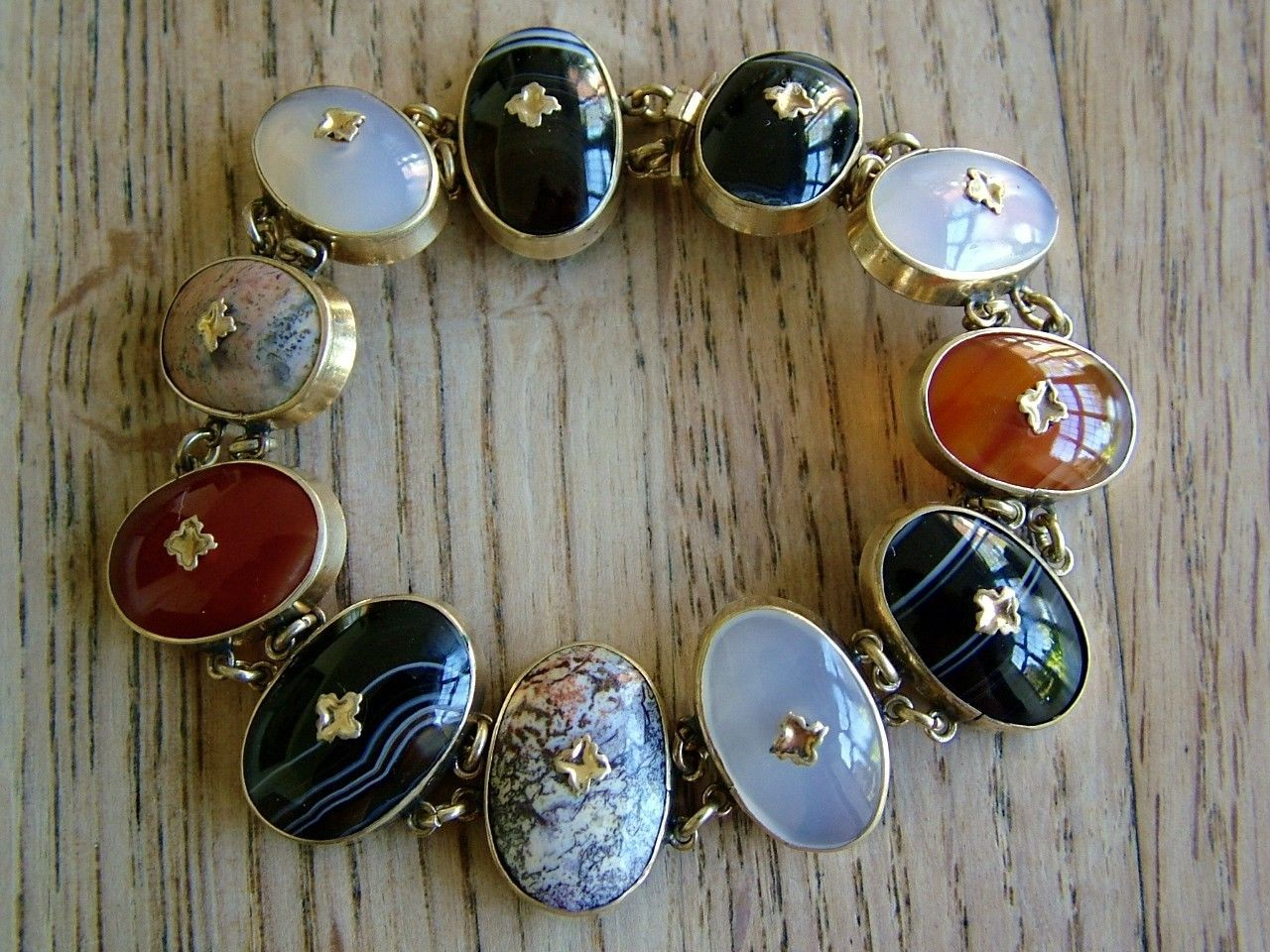 and long earrings with agate small size Vintage set; Bracelet
