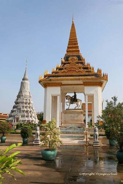 Bức tượng vua Norodom