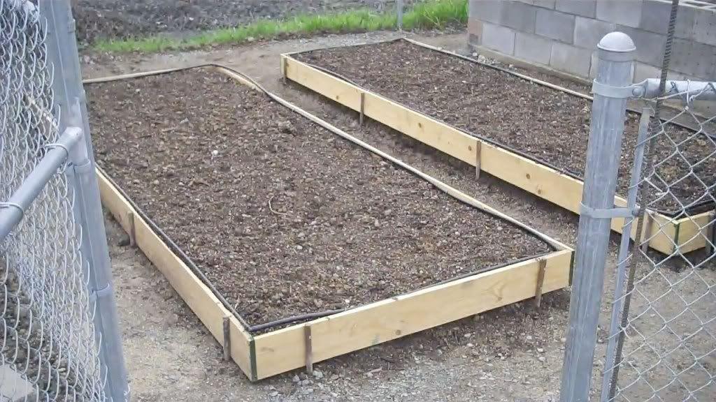 soil mixture for a raised bed Garden soil, Garden layout