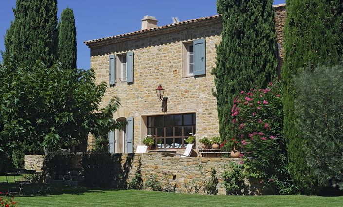 Le Castellet Tuscan style, French farmhouse style