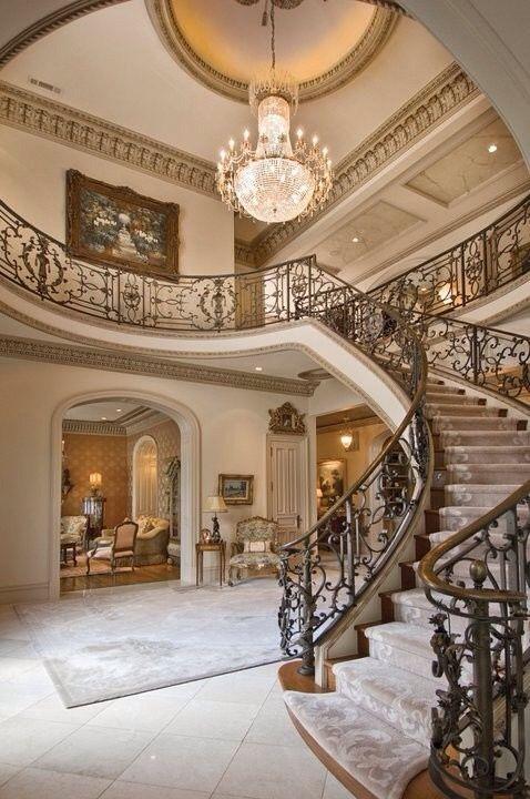 Pin de elize kuhn en foyers doors windows and entrances pinterest escalera mansiones y - Escaleras de casas de lujo ...