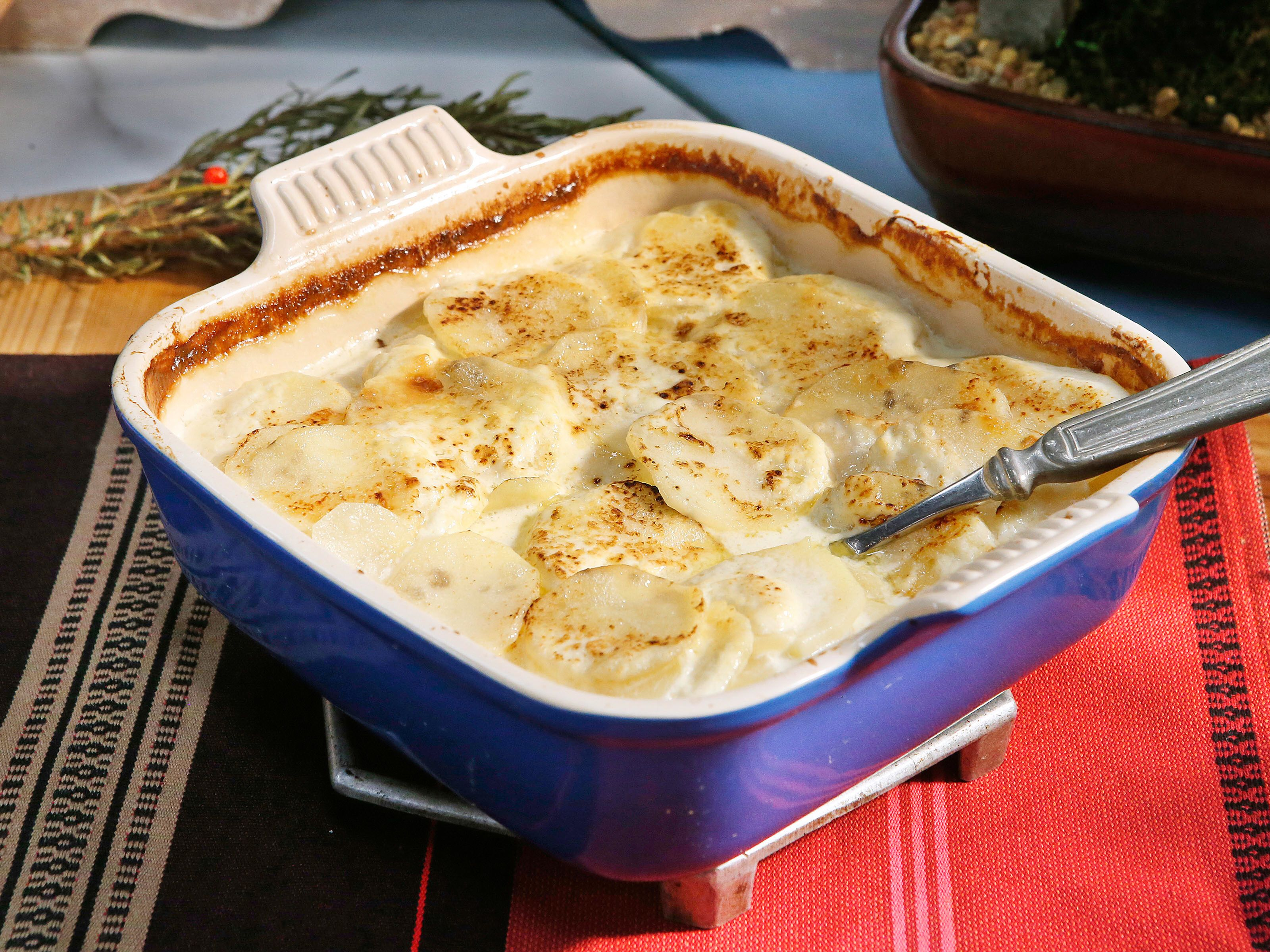 Sunnys mommys sage potatoes recipes pinterest kitchen sunnys mommys sage scalloped potatoes sunny anderson food network lillie lynaes welcome home dinner recipe january 2017 forumfinder Choice Image