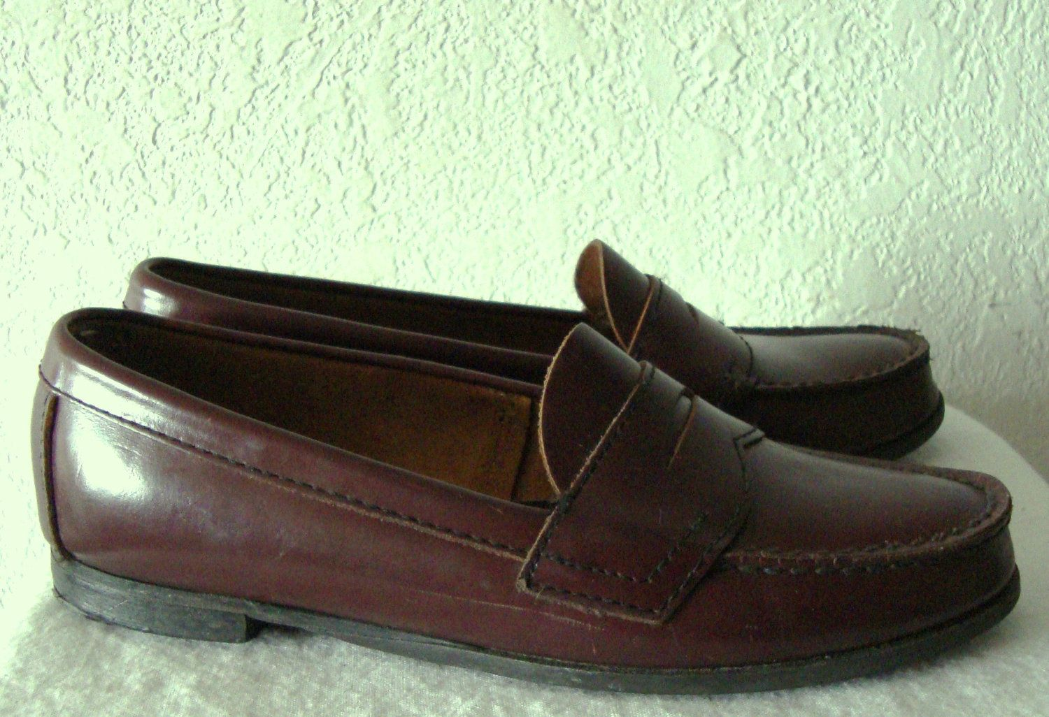 e841ba62a21 Womans Preppy Vintage Burgundy Colored PENNY LOAFERS by DEXTER.8M.  24.99