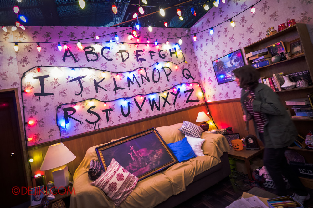 FIRST LOOK USS HHN8 Stranger Things haunted house