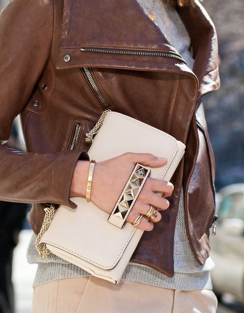 7bcf18c319eaa2 Brown leather jacket :) and clutch | Fashion | Fashion, Valentino ...