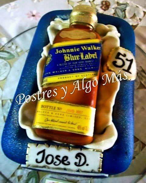 Torta Decorada Motivo Blue Label Ideal Para Un Caballero En Su
