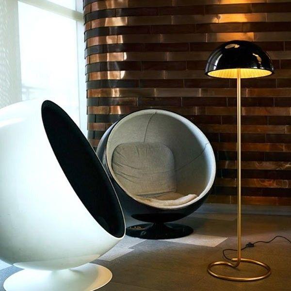 DESCUENTOS - OFERTAS - OUTLET Pie de salón moderno negro y dorado. #iluminación #decoración