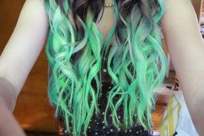 blue hair, green
