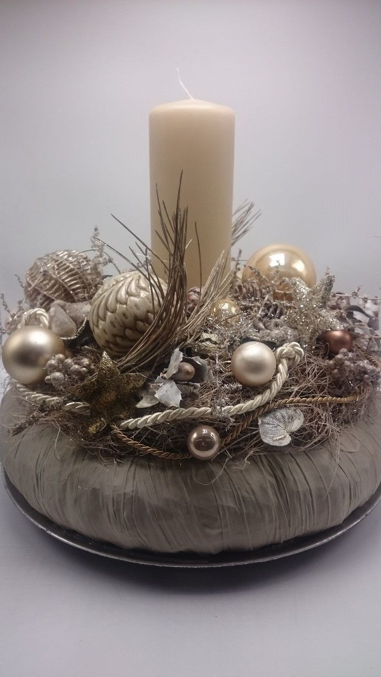 Candles advent wreath gold New Year's blog 2020