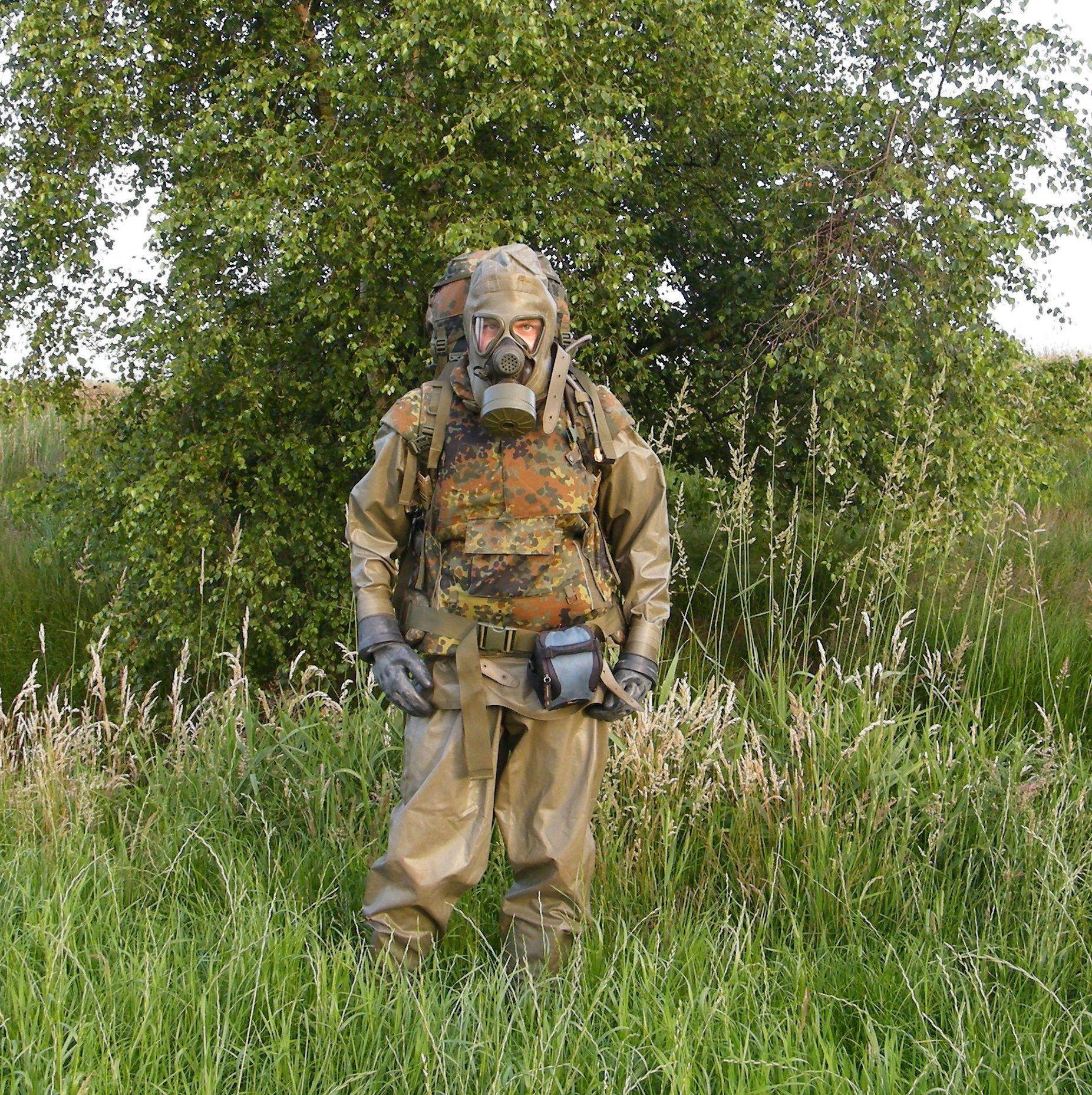 Outdoor wearing the German CBRN suit