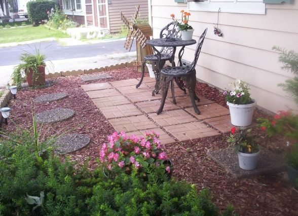 Cozy Patio With Curb Appeal Outdoor Patio Diy Small Outdoor Patios Front Yard Patio