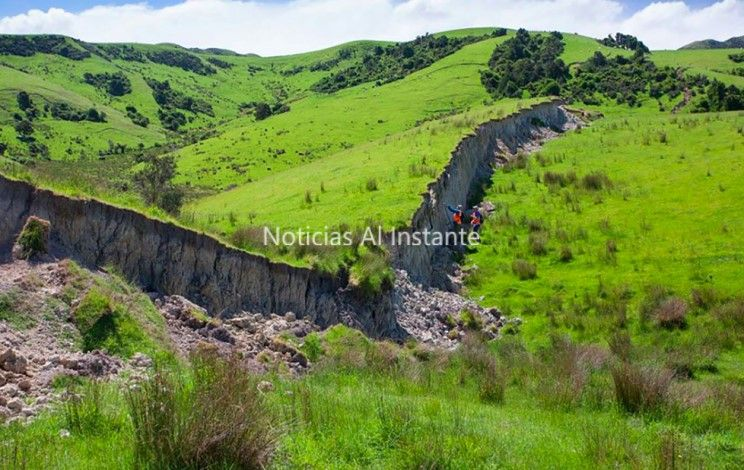 El terremoto de Nueva Zelanda creó un muro de 4,5 metros de altura ...