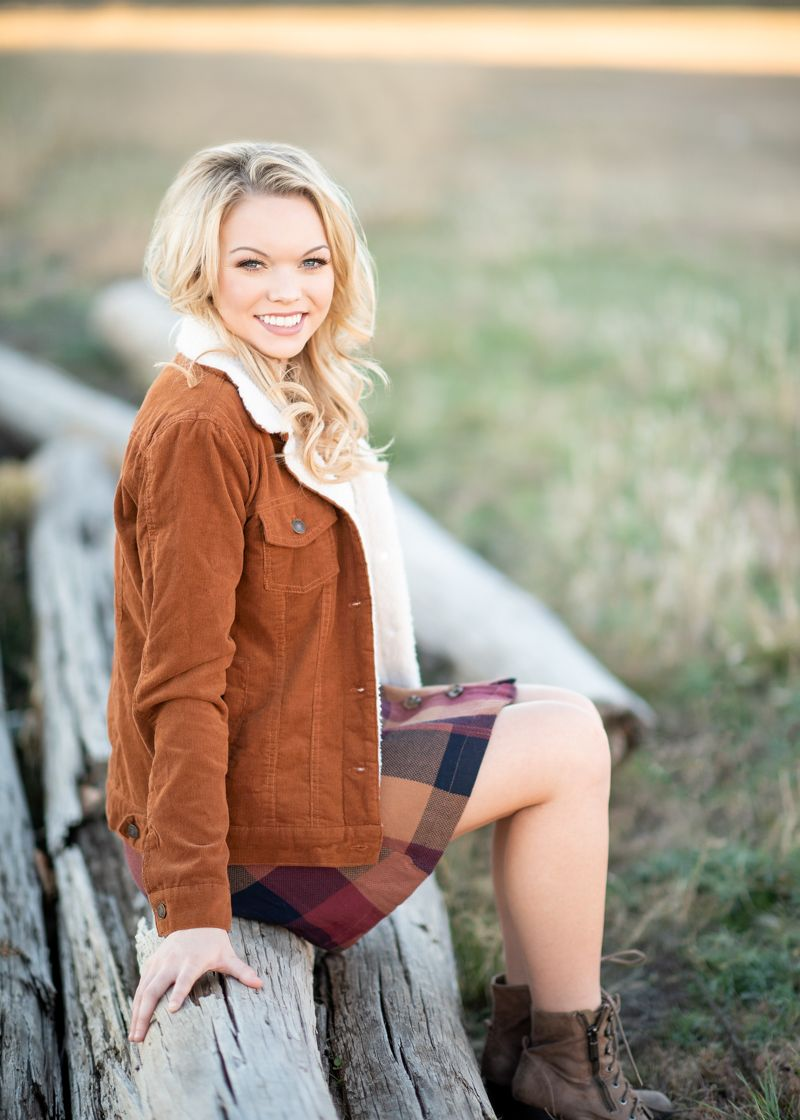Cozying up to the perks of senior year! Pictures - Senior