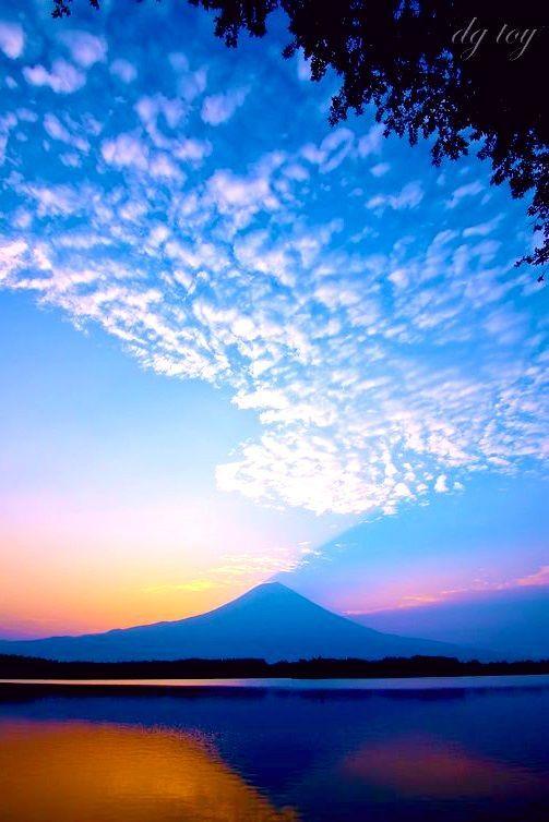 Photo on pinterest Mt. Fuji, Japan #富士山 #日没 #夕焼  #fuji #Japan #photo #pinterest