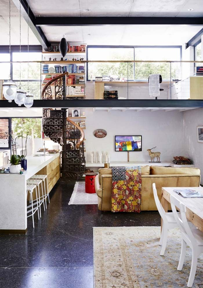 Una casa de estilo ecléctico y toques industriales en Ciudad del ...