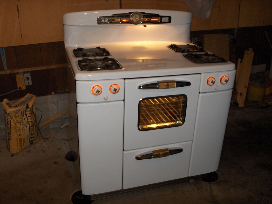 My favorite vintage stove - the Tappan Deluxe (Doughboy). My great ...